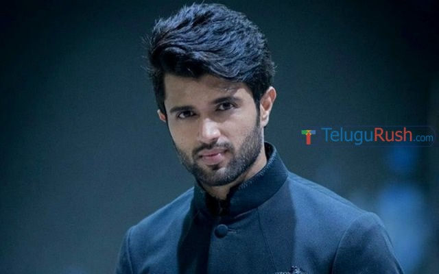 093 vijay devarakonda hikes his remuneration